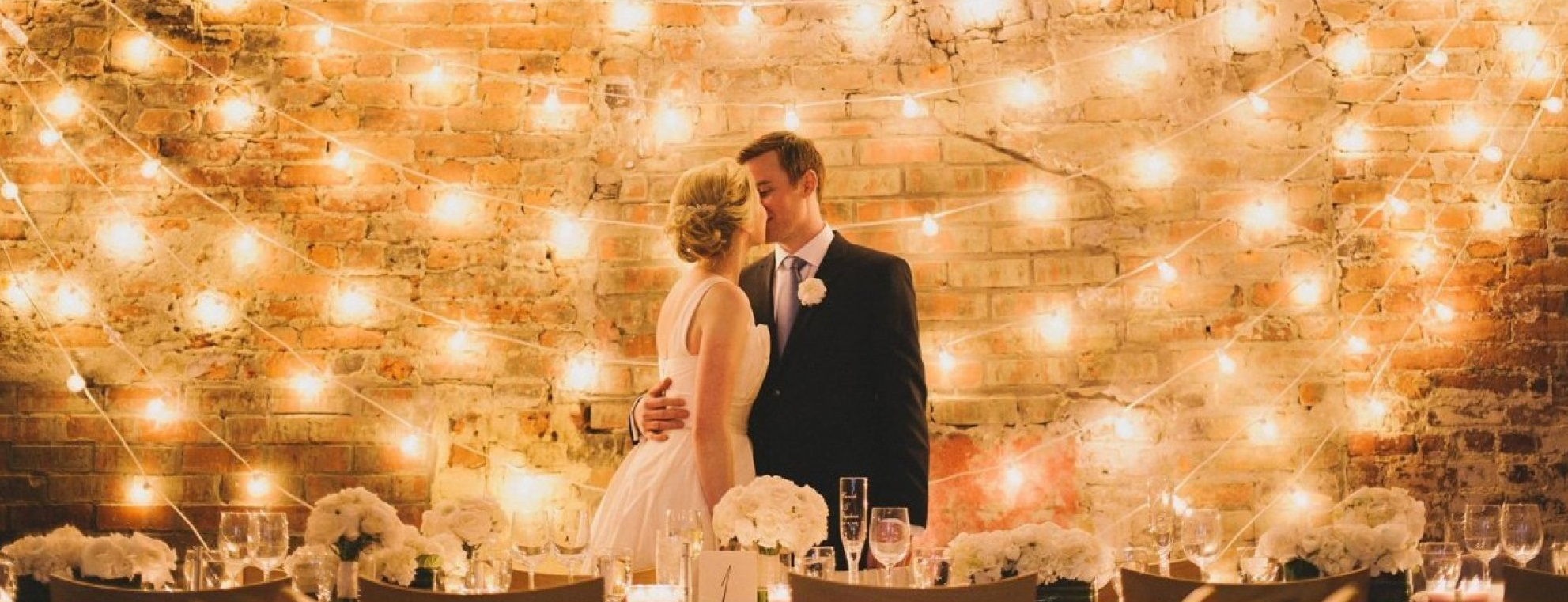 perfect wedding lights for photos